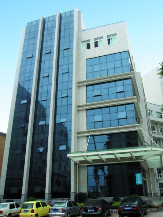 长沙市第三医院幕墙装饰工程.jpg