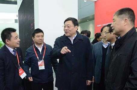 省委书记杜家毫参观公司住博会展馆